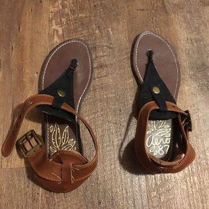 Aeropostale brown and black sandals!